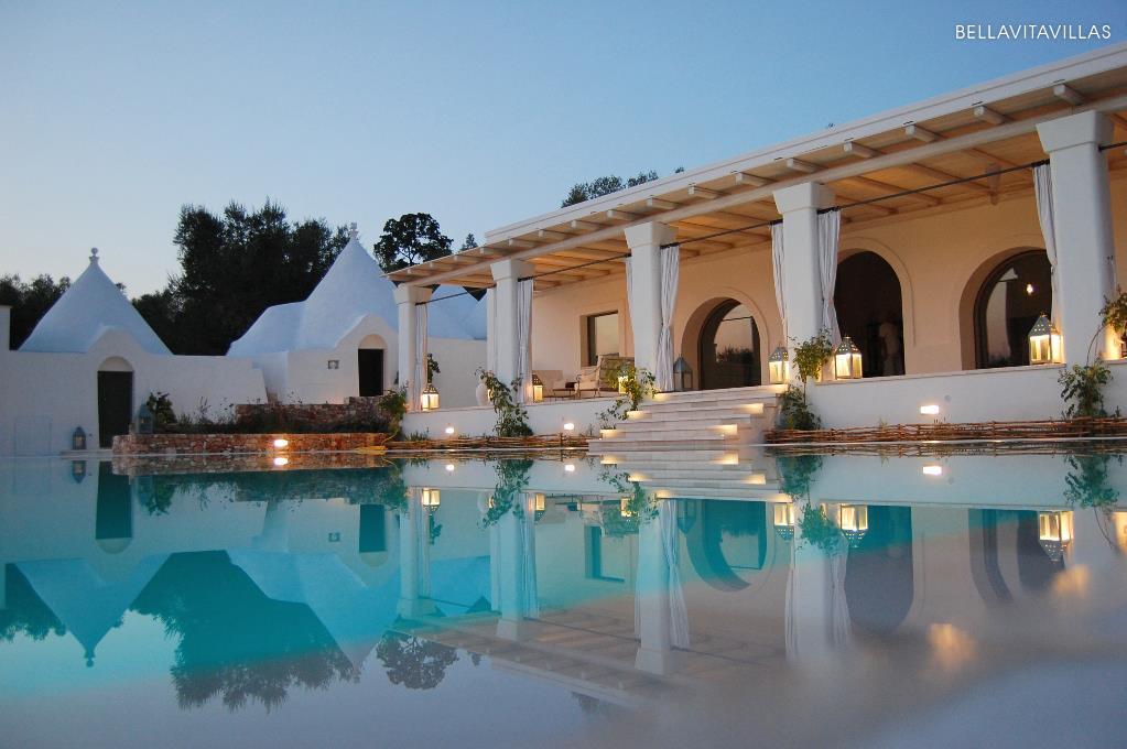 Ville con piscina e case vacanze in puglia salento for Immagini di belle case